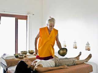 जानें कैसे आयुर्वेदिक तिब्बती उपचार की मदद से गंभीर रोग होते हैं ठीक