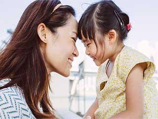 बच्चों से संबंध बेहतर बनाकर डिप्रेशन से बच सकती हैं महिलाएं