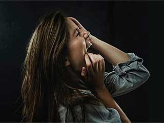 रिलेशनशिप की खुशियों को कम करता है तनाव