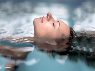 हाइड्रोथेरेपी के होते हैं ये फायदे