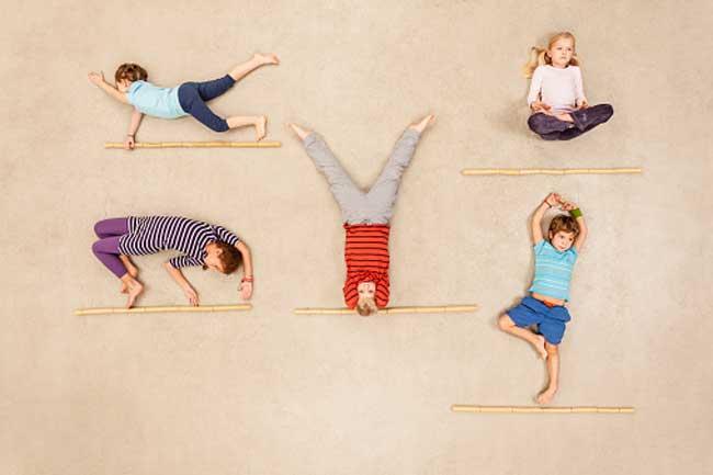 बच्चों के साथ करें ये योगासन