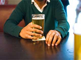 हेपेटाइटिस सी के मरीजों के लिए जानलेवा है शराब