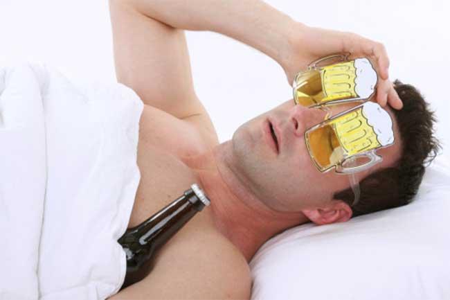 रात को शराब पीकर सोने के नुकसान