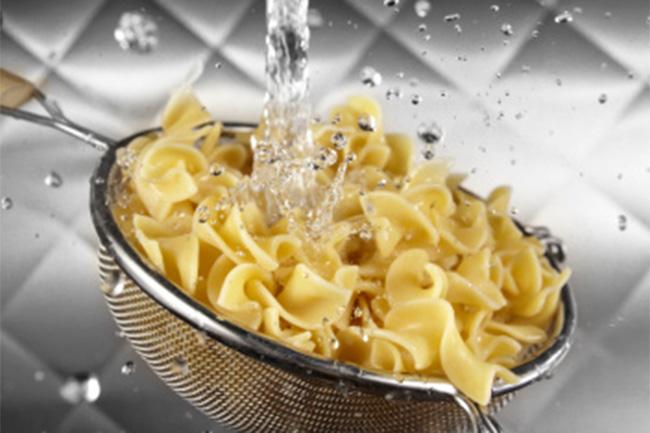 पास्ता को उबालने के बाद दोबारा धोना