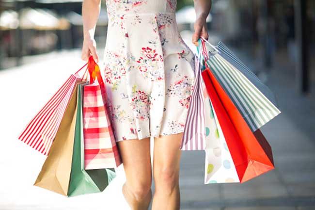 शॉपिंग का मजा लें
