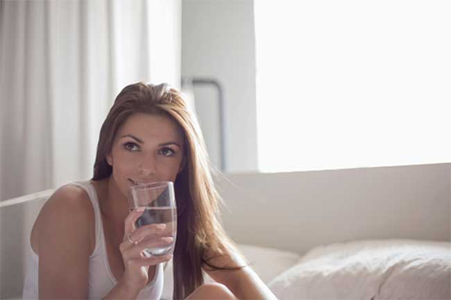 सुबह पानी पीना