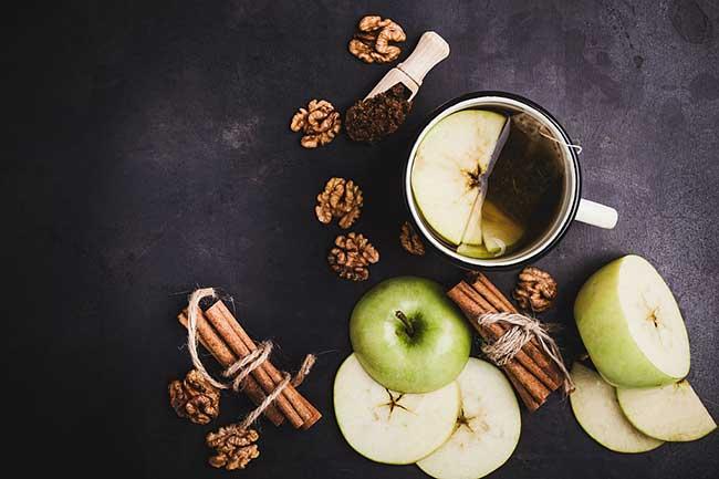 सेब दालचीनी डिटॉक्स वॉटर