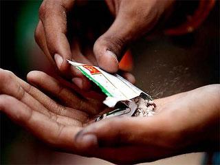 धुआंरहित तंबाकू घोंट रहा है भारत का दम!
