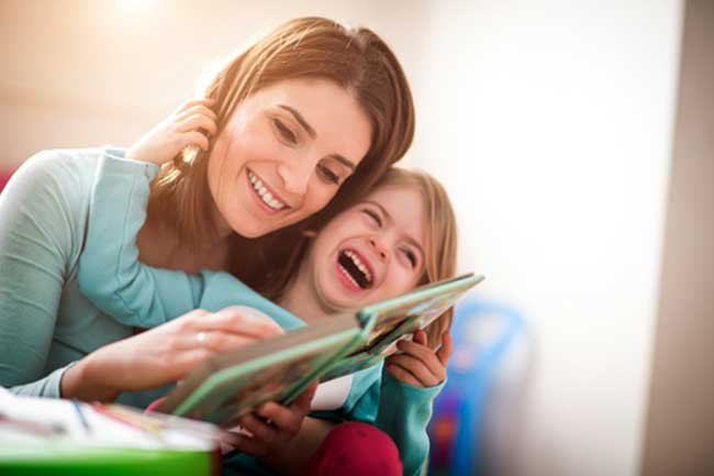 बच्चों को पढ़ाना