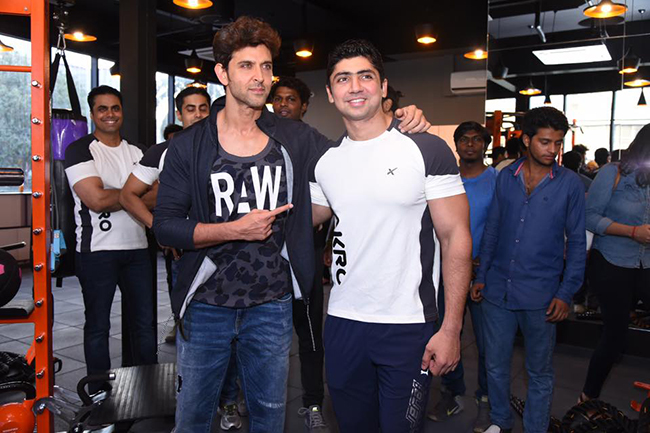 Hrithik Roshan at personal trainer's gym launch