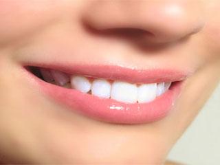 दांतों की सेहत में छिपा है अच्छी सेक्स लाइफ का राज!
