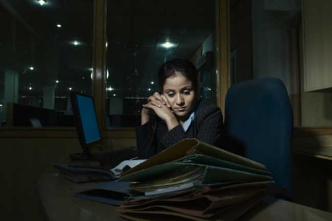 50% कॉर्पोरेट वर्किंग लोग तनाव पीड़ित