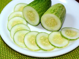 खीरा खाइए और सेहत से जुड़े ये 8 फायदे पाइए