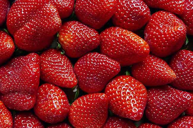 लाल रंग के फल एवं सब्जियां