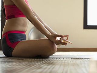 विभिन्न योग मुद्राओं को करने के तरीके और फायदे, जानिए
