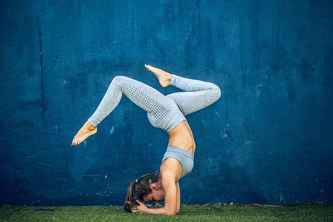 शरीर को लचीला और हड्डियों को मजबूत बनाएं