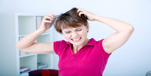 Ways to Cure Dry Itchy Scalp in Telugu