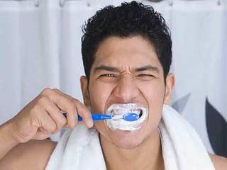 दांतों की देखभाल में भारतीय पुरुष करते हैं ये 5 सामान्य गलतियां