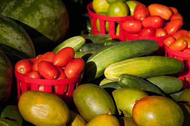 ज्यादा चमकदार सब्जी न खरीदें