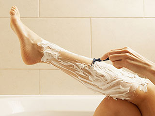 Shaving mistakes that are ruining your skin of your legs