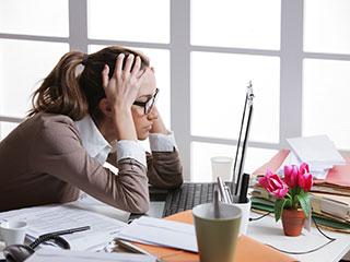 इन लक्षणों से करें पार्किंसन की पहचान और रहें सतर्क