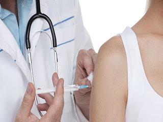 विश्व टीकाकरण सप्ताह : बच्चे ही नहीं, बड़ों के लिए भी जरूरी है टीकाकरण