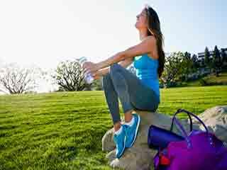 जिम जाएं तो इन जरूरी चीजों को बैग में जरूर रखें!