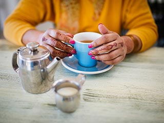 Is it right to drink tea after meals?