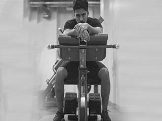 पैरों की मजबूती के लिए कीजिए ये एक्सरसाइज़, एक्टर भी करते हैं फॉलो