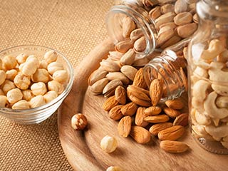 Reasons why you should add nuts in your daily diet