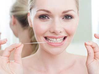 ग्रीन टी में है सेंसिटिव दांतो के दर्द का इलाज