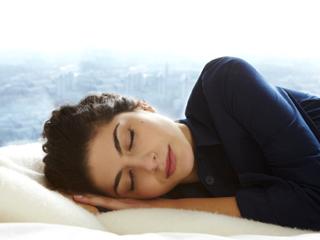 नींद की कमी को सिर्फ 1 रात में दूर करते हैं ये 5 आसान उपाय