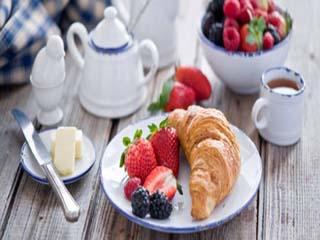 सांस लेने की तरह जरूरी है सुबह का नाश्ता, जानें क्यों?