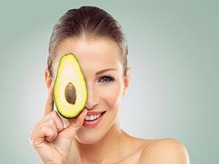 आंखों की रोशनी बढ़ाने के लिए जरूर खाएं ये 6 फूड्स
