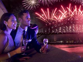 घर पर New year मनाने के टॉप 5 आइडियाज, पड़ोसी भी कहेंगे वाह!