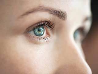 Image result for इन उपायों से करें अपनी आँखों का रंगों से बचाव