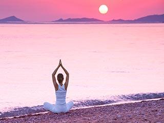 कफ से राहत दिलाएंगे ये 5 योगासन, जरूर ट्राई करें