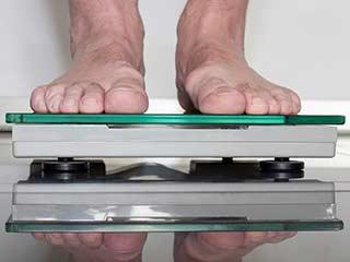 वजन घटाने के लिए आगे भागने की जगह पीछे उल्टे पांव भागें