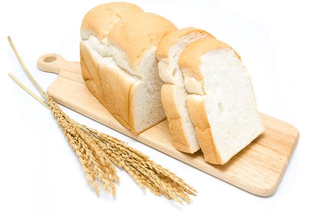 व्हाइट ब्रेड