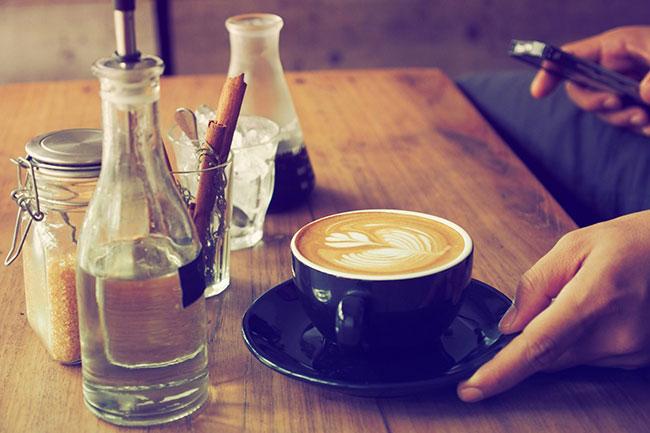 चाय या कॉफी की अधिकता