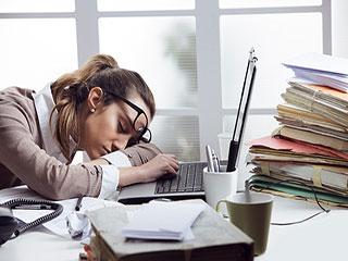 क्या है ऑफिस में आपकी थकान की वजह, जानें