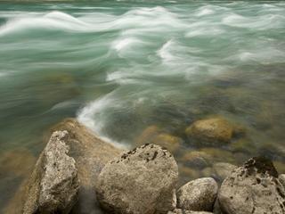 बहता हुआ पानी इलाज में भी आता है काम, जानिए कैसे