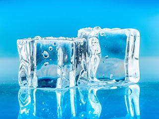 बर्फ से बनी चीजों का सेवन करना चाहिए या नहीं, जानिए?