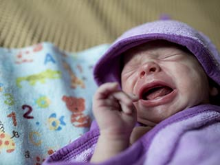Understand why your newborn baby cries
