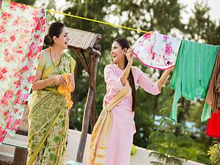 घर के अंदर कपड़े सुखाने से हो सकती है ये गंभीर बीमारी