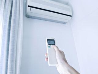 AC गर्मी से 'राहत' नहीं बल्कि 'आहत' कर रहा है, जानें इसके साइडइफेक्ट