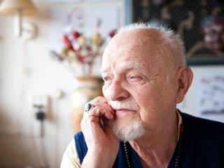 अगर बुढ़ापे में भी अपनी याददाश्त बनाए रखना है, तो करें ये 1 योग स्टेप
