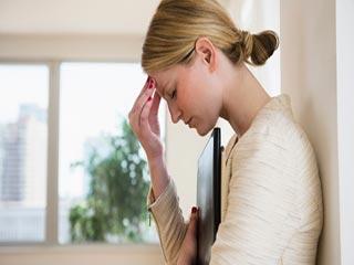 सिर दर्द थम नही रहा तो इस बीमारी के हैं संकेत