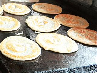 छोले-पूरी नहीं, बल्कि भारतीय-शहरी लोगों का फेवरिट नाश्ता डोसा-इडली है...