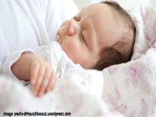 तेजी से बढ़ाना चाहते हैं शिशु के बाल तो अपनाएं ये नुस्खे